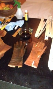 gloves dyeing